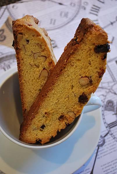 美好時光之義式葡萄乾杏仁比斯考提 Raisin Almond Biscotti w/ Chocolate Dip