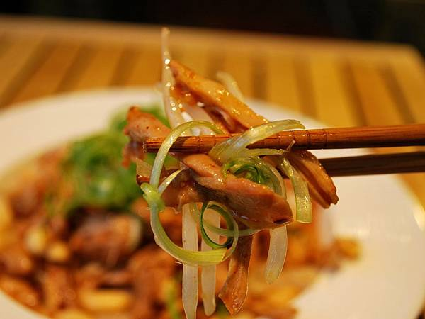 夏夜啤酒良伴~麻辣涼拌雞絲 Shredded Chicken w/ Sichuan Pepper Sauce