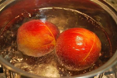 吃出養顏益色蘋果肌 炙燒豬排佐蜜桃莎莎醬 Grilled Pork Chops with Peach Salsa