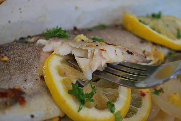 遠見網路獨享。孝敬老爸一尾魚:鮮嫩紙包烤鱒魚 Trout Parcel