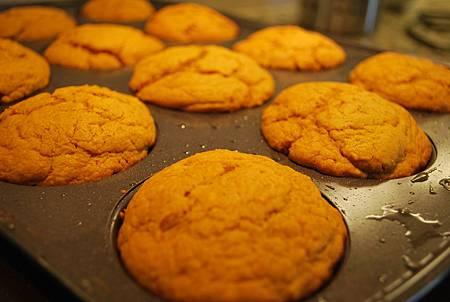 南瓜邦特蛋糕佐巧克力卡嚕哇甘那許 Pumpkin Bundt Cakes w/ Chocolate Kahlúa Ganache