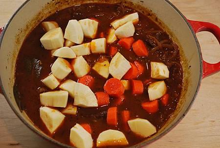 紅通通溫暖饗宴:匈牙利燉牛肉 Beef Goulash