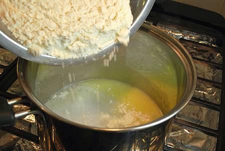 耶誕派對香酥點:金黃起司鹹泡芙 Gruyère Gougères