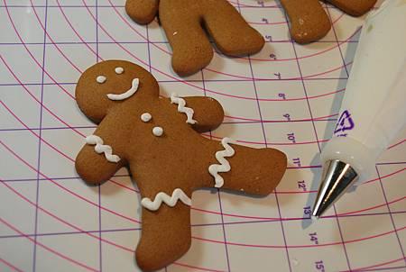 暖香的耶誕童話:薑餅人餅乾 Gingerbread Men Cookies