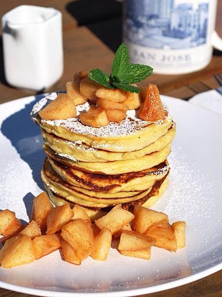 遠見網路獨享。絲絨般清爽體驗:檸檬瑞可達起司鬆餅 Lemon Ricotta Pancakes