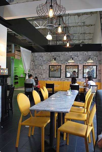 黑與黃的簡約奢華下午茶 Seventh Tea Bar, Costa Mesa