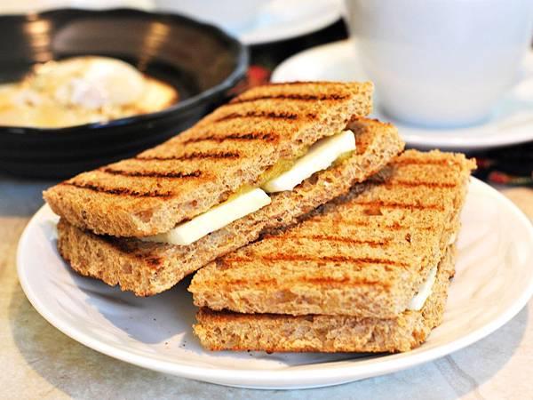 新加坡經典早餐:咖椰吐司與溫泉蛋 Kaya Toast with Soft Boiled Eggs
