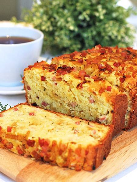 法式蛋糕鹹鹹吃:焦糖洋蔥培根鹹蛋糕 Caramelized Onion and Pancetta Cake