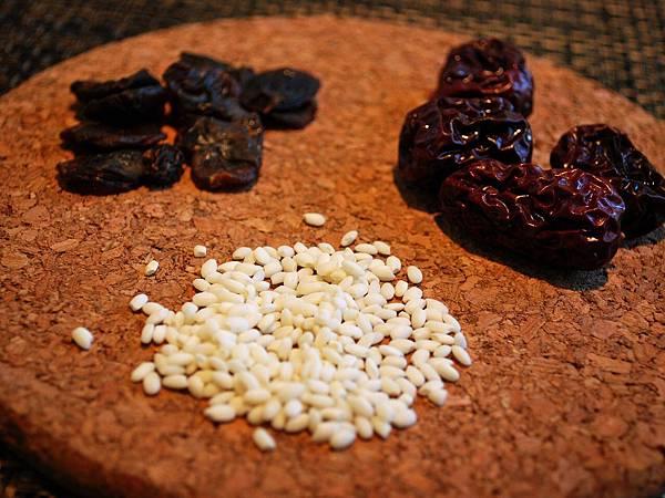 秋冬甜甜小溫補~第一次做桂圓米糕粥就上手 Longan & Sweet Rice Porridge