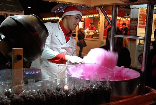 耶誕氣氛百分百:香榭大道上的耶誕市集 Christmas Market on the Champs-Elysées
