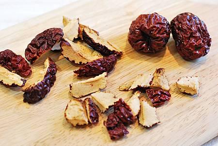 整顆上桌免包粽!韓風南瓜鑲紅豆紫米飯 Danhobakbap