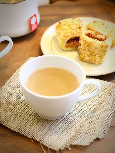 冬日暖手你需要這一杯~鍋煮黑糖薑汁奶茶 Ginger Milk Tea