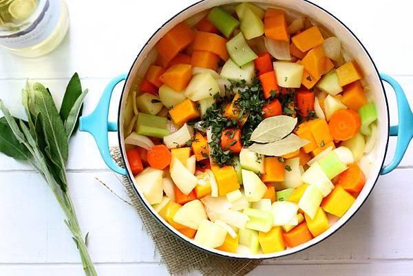 高纖食感黃金湯:奶油南瓜蔬菜湯 Butternut Squash Vegetable Soup