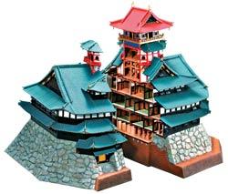 用應募來提高消費者購買意願,落實物以稀為貴的行銷策略。圖為組建完成的安土城模型及剖面樣態。(圖/作者提供).jpg