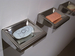 羅智信│肥皂 肥皂、毛髮、鏡子 12x10x4cm(6 pieces) 2010.jpg
