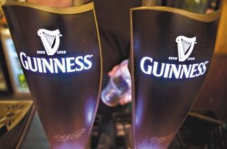 全球最大酒精飲料公司帝亞吉歐(Diageo),將進軍非洲及東南亞市場,促銷健力士啤酒。(彭博資訊).jpg