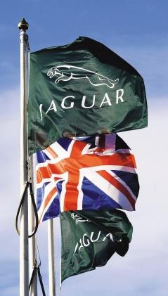 英國豪華汽車Jaguar Land Rover(JLR)於 2008年6月賣給印度塔塔集團以來,上季首次恢復獲利,稅後獲利5960萬英鎊,和前一年同期虧損6000萬英鎊相比,可說大翻身。(歐新社).bmp