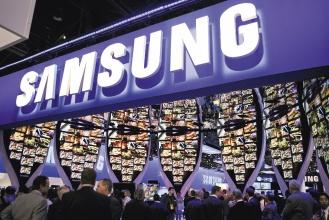 倫敦金融時報調查顯示,三星電子的品牌價值暴增80%,躍居成長最快的品牌,該公司去年還跌出百大品牌排行榜外。(彭博資訊).jpg