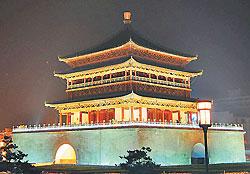 ▲西安市中心鼓樓夜景。(攝影/記者鍾張涵).jpg