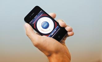 智慧手機銷量日增,高通營收和獲利明顯成長。圖為蘋果iPhone。路透.jpg