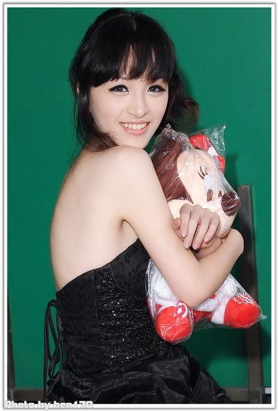 20091206 板橋遠百 魔術甜心~~黃心琳