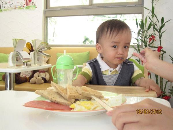0318爸爸陪我吃飯