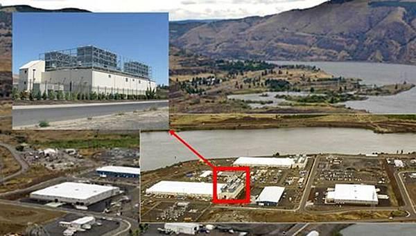 資料中心的選址也是一門學問,由於PUE的規範,許多大廠的資料中心都會選在擁有天然冷卻資源的地方,像是Google位於Dallas, Oregon的資料中心就位於哥倫比亞河邊,利用天然的河水進行水冷,可
