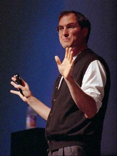 1996年,蘋果買下NeXT。賈伯斯再度回到蘋果電腦。