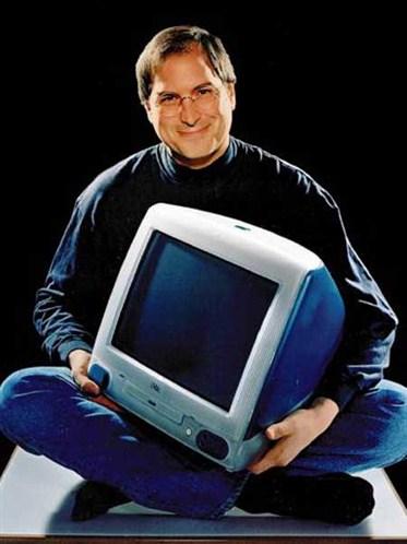 1998年,賈伯斯重整蘋果產品線,推出具有彩色螢幕的 iMac個人電腦,要價1300美元。
