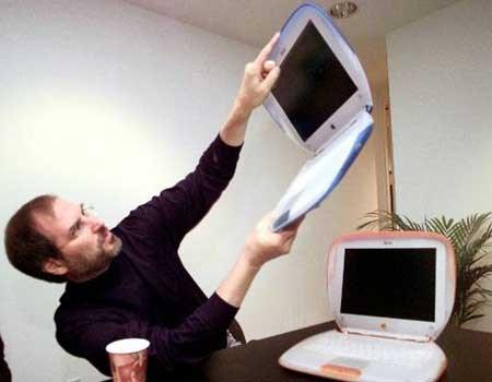 1999年,iMac筆電iBook上市