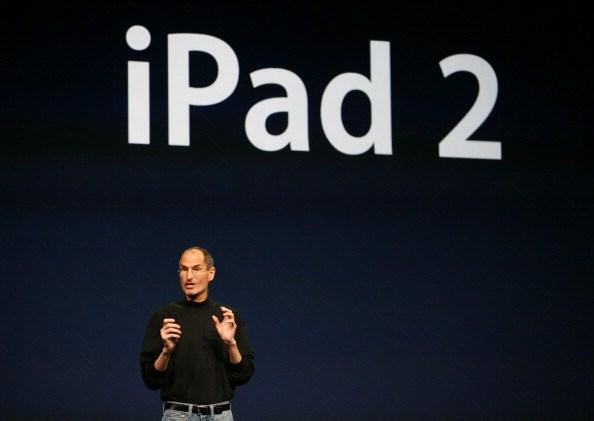 2011年3月2日,賈伯斯驚喜現身 iPad2的產品發表會。
