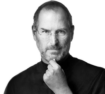 2011年10月4日,蘋果沒有如市場預期的發表 iPhone5,而推出具有聲控功能的 iPhone4S,但似乎激不起大家的興趣。