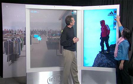 2010 年 1 月 12 日 - 英特爾公司看到了標準式互動數位電子看板的未來發展趨勢,特於紐約登場的全美零售業協會大會中展出一款可同時供多位使用者操作的 7 呎 6 吋多點觸控螢幕英特爾智慧型數位電子看板概念 (Intel® Intelligent Digital Signage Concept) 。英特爾表示這款原型機將改變人們與數位電子看板的互動模式,這類產品將設置於商店、機場、銀行、以及飯店等環境。
