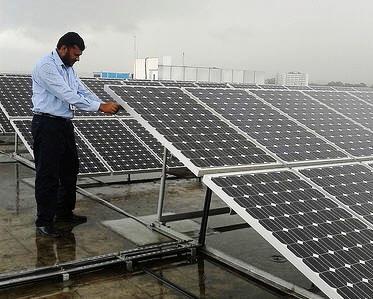 IBM在印度邦加羅爾建置的太陽能發電板陣列
