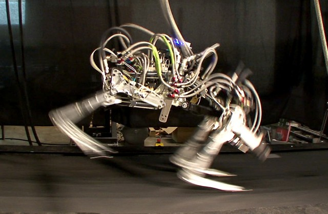 Boston Dynamics Cheetah Robot Runs at Record Breaking 28 MPH
