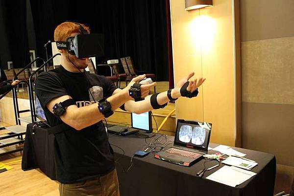 Gaming exoskeleton that pairs with Oculus Rift surfaces at CES PrioVR full-body tracking suit comes to Consumer Electronics Show with second crowdfunding effort to launch next month.