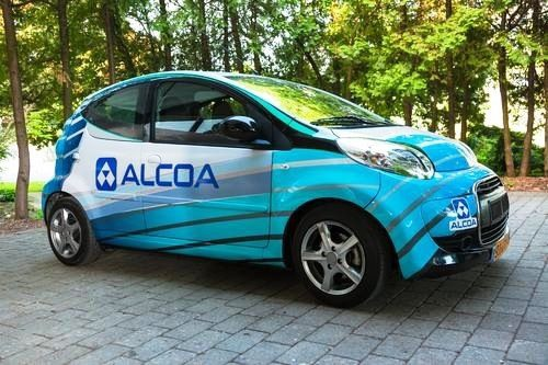 Phinergy與Alcoa展示一次充電可行駛1,000英哩的鋁空氣電動車電池技術