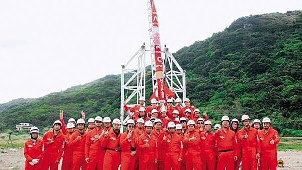 一群瘋狂科學家 讓台灣在太空留名