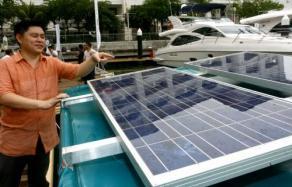安裝於船上的的太陽能電板