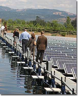 節省空間,讓太陽能面板水上漂