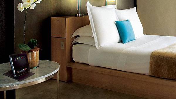 每個旅館房間都配一台iPad2