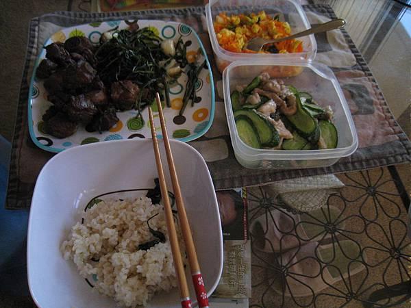 (BEfore)今晚的甜蜜家庭菜by我老姐^^