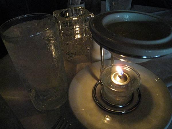 沾蟹腳的醋汁~高級吧^^
