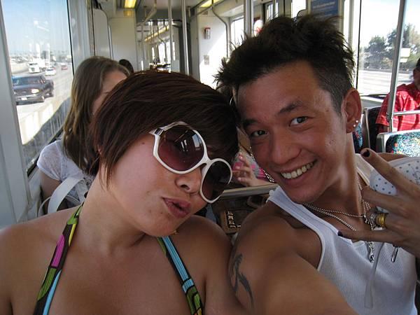 第一次老姐帶我搭LA的捷運^^