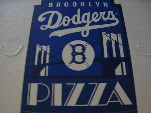 連Pizza盒都是Blue!!!