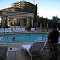 這只是其中一個泳池!!!
