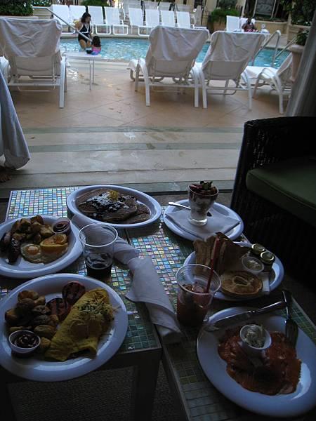 Vegas~Palazzo~泳池包廂~早餐^^