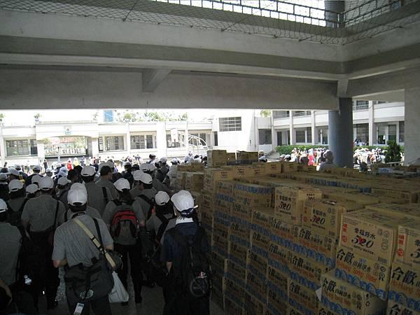 8.8水災賑災at林邊~好多物資...