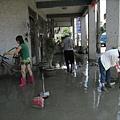 8.8水災賑災at林邊~每戶家裡都是淤泥...