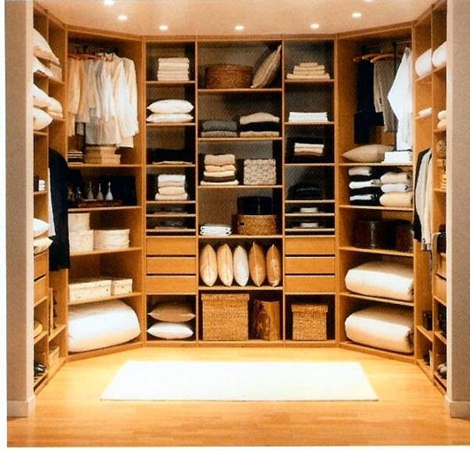 benshee. Black Bedroom Furniture Sets. Home Design Ideas